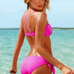 candice_swanepoel_oily_bikini_12