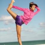 nina_dobrev_seventeen_shape_bikini_2