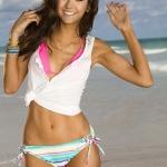 nina_dobrev_seventeen_shape_bikini_6