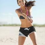 nina_dobrev_seventeen_shape_bikini_7