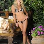 taylor_armstrong_bikini_1